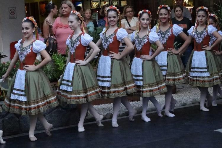 Apresentação Barra Garden | Escola de Dança Petite Danse