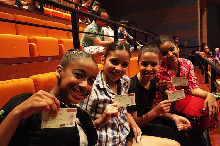 Alunos assistem Opera de Pequim - Cidade Das Artes - Escola de Dança Petite Danse