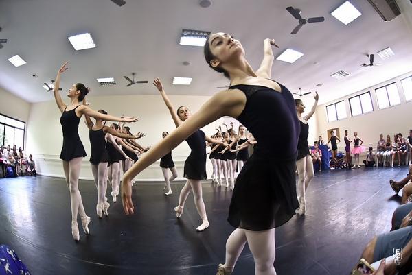 Confira o Ensaio Aberto da Escola Petite Danse