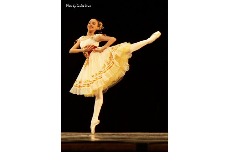 Corpo Livre | Escola de Dança Petite Danse