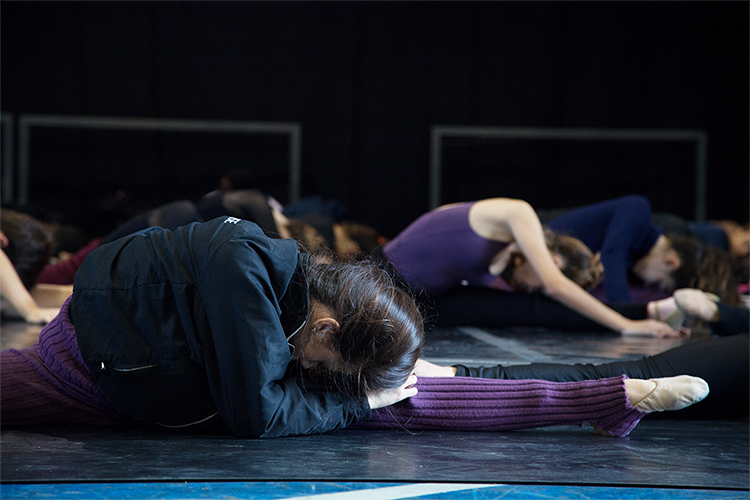 Modalidade - Alongamento | Escola de Dança Petite Danse