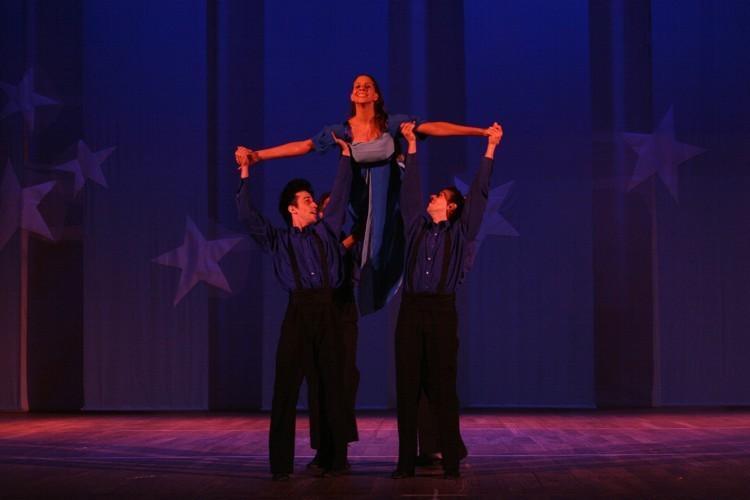 Bailando com as Divas | Escola de Dança Petite Danse