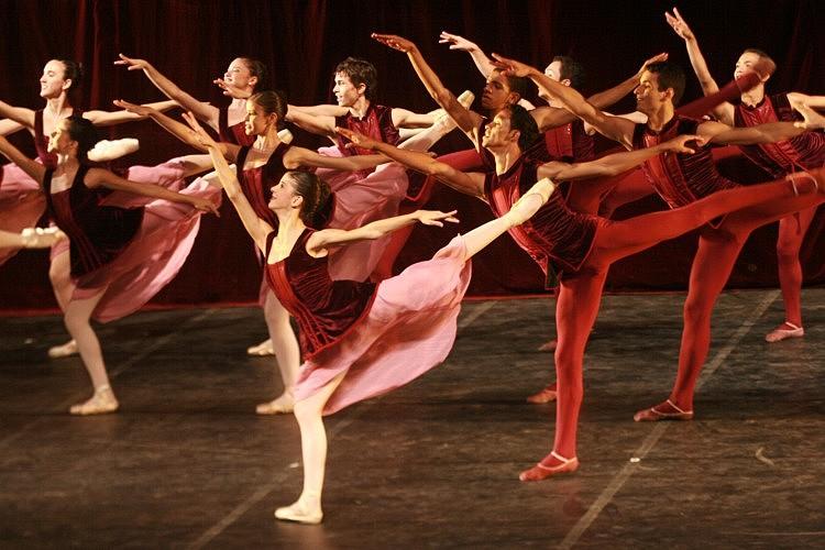 Bom Dia Todas as Cores | Escola de Dança Petite Danse