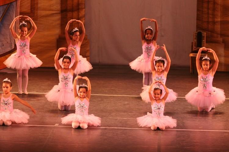 Cada Pessoa é um Presente para o Mundo | Escola de Dança Petite Danse