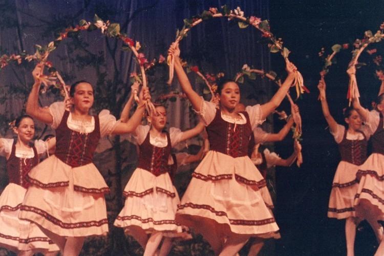Túnel do Tempo | Escola de Dança Petite Danse