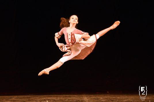 Dentre os diversos eventos que a Escola Petite Danse promove com intuito de estimular a participação dos alunos em mostras de dança e festivais