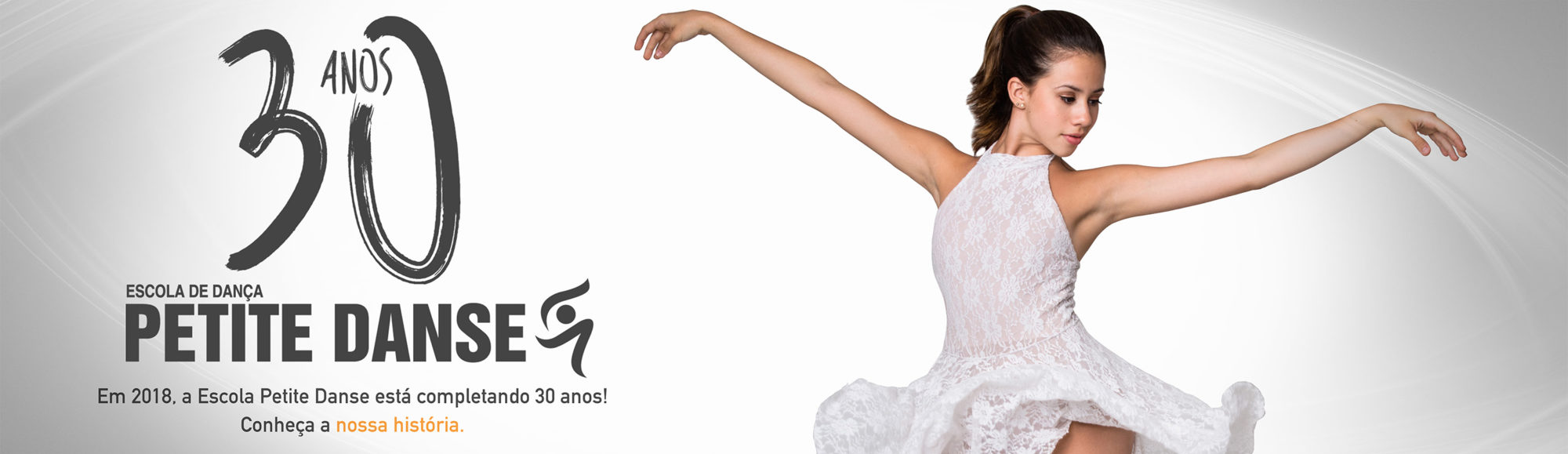 A Escola de Dança Petite Danse é um estabelecimento de ensino de caráter técnico–artístico-profissional autorizada pelo Conselho Estadual de Educação do Rio de Janeiro